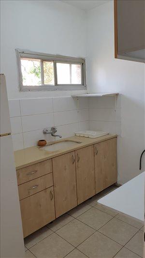 דירה להשכרה 2 חדרים בקריית ביאליק השקדים 4