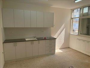 דירה להשכרה 4 חדרים בחולון בן אליעזר