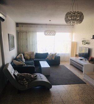 דירה להשכרה 5 חדרים בחולון דיין משה