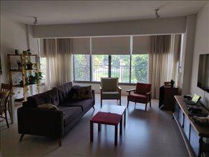 דירה להשכרה 3 חדרים בחולון ז'בוטינסקי