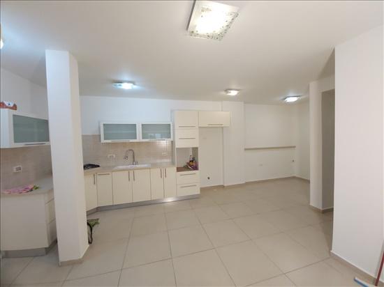 דירה להשכרה 4 חדרים בחולון סוקולוב אגרובנק