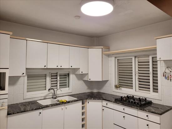 דירה להשכרה 4.5 חדרים בפתח תקווה אנגל מרכז שקט