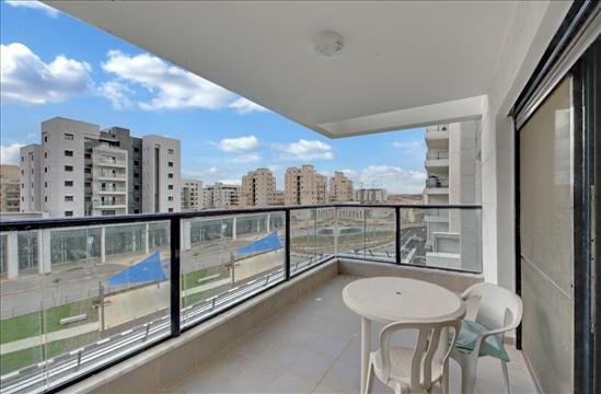 דירה להשכרה 4 חדרים בחריש זית מרכז העיר