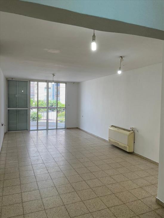 דירה להשכרה 4 חדרים ברמלה שדרות חיים וייצמן וייצמן