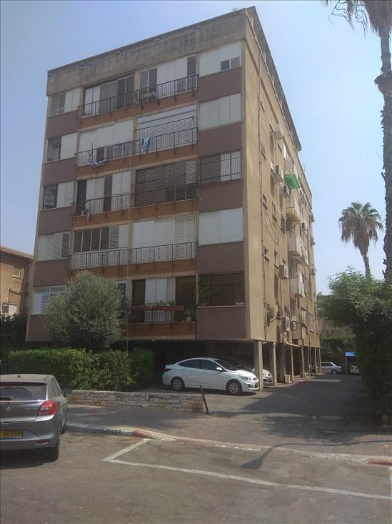דירה להשכרה 4 חדרים בפתח תקווה הרמן צבי שפירא מרכז