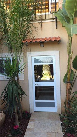 יחידת דיור להשכרה 2 חדרים ברמת רזיאל נורית
