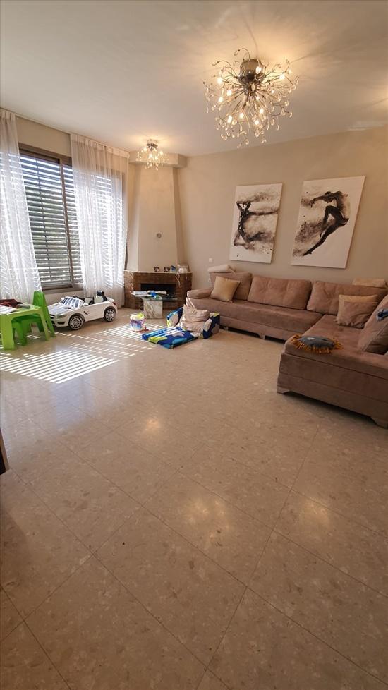 דירת גג להשכרה 4 חדרים בחולון לסל שיכון ותיקים