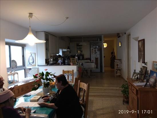 דירה להשכרה 4.5 חדרים ברעננה רמב''ם מרכז דרום