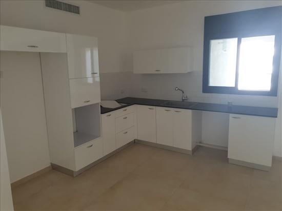 דירה להשכרה 5 חדרים באור עקיבא לבונה