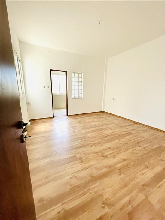 דירה להשכרה 5 חדרים בקרית ביאליק שדרות בן גוריון סביניה