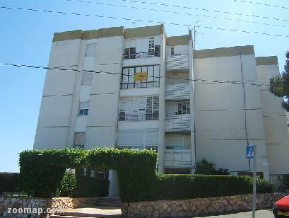 דירה להשכרה 4 חדרים בחיפה ז'אן ז'ורס קרית שפרינצק
