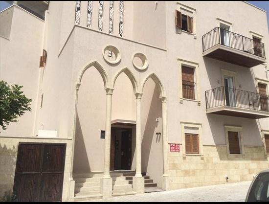 דירת גן להשכרה 4 חדרים בתל אביב יפו העוגן עג'מי