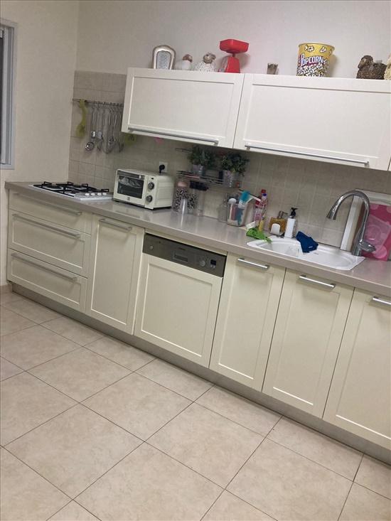 דירה להשכרה 4.5 חדרים בראשון לציון הקישון רמז