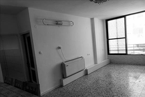 דירה להשכרה 3 חדרים בחולון בעל שם טוב נאות רחל