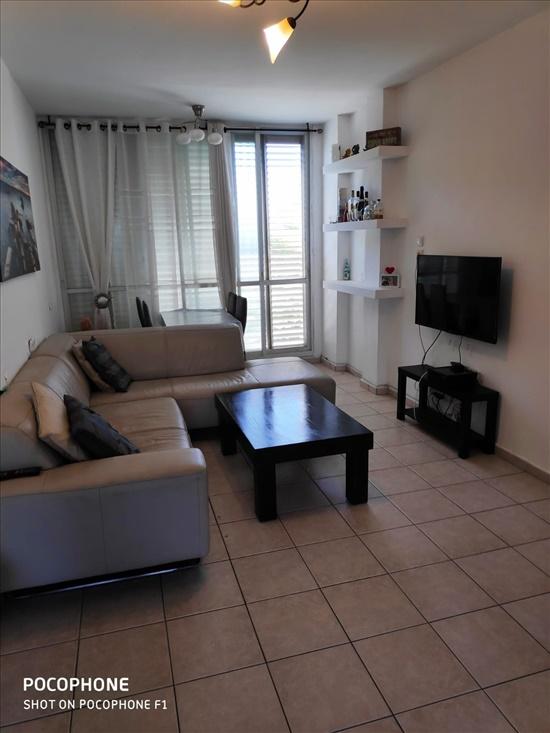 דירה להשכרה 3 חדרים בקרית ביאליק הברושים סביניה