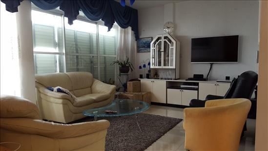 דירה להשכרה 5 חדרים בנתניה יהושע שטמפפר מרכז העיר