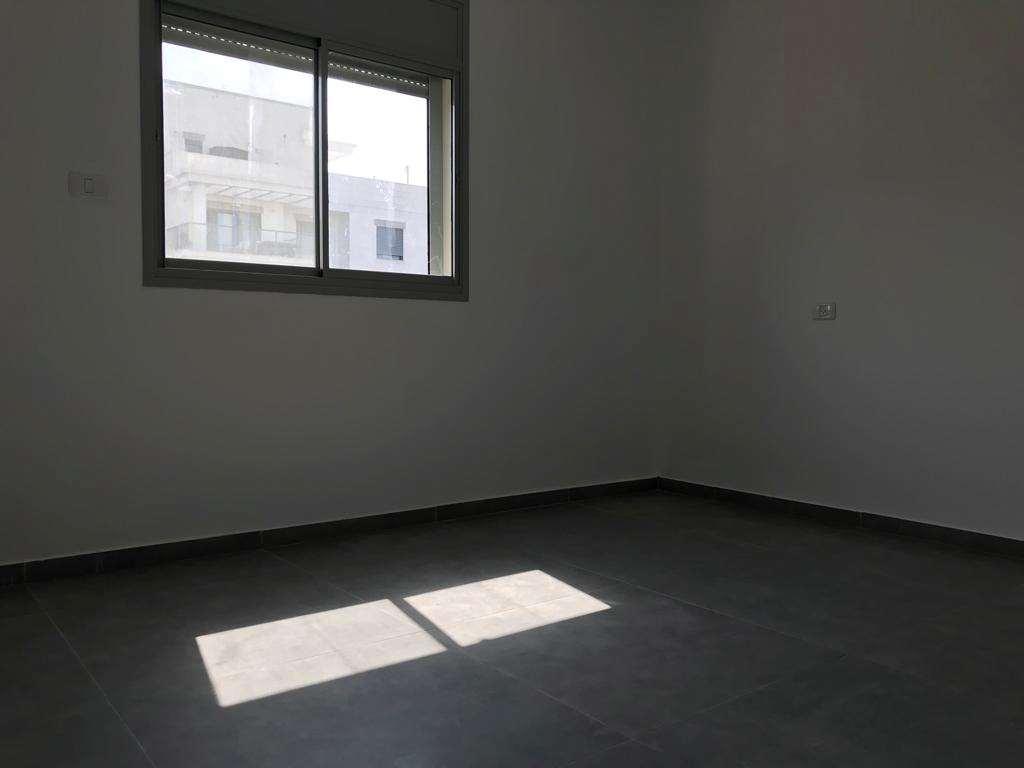 תמונה 3 ,דירה 4 חדרים בר אילן מרכז רעננה