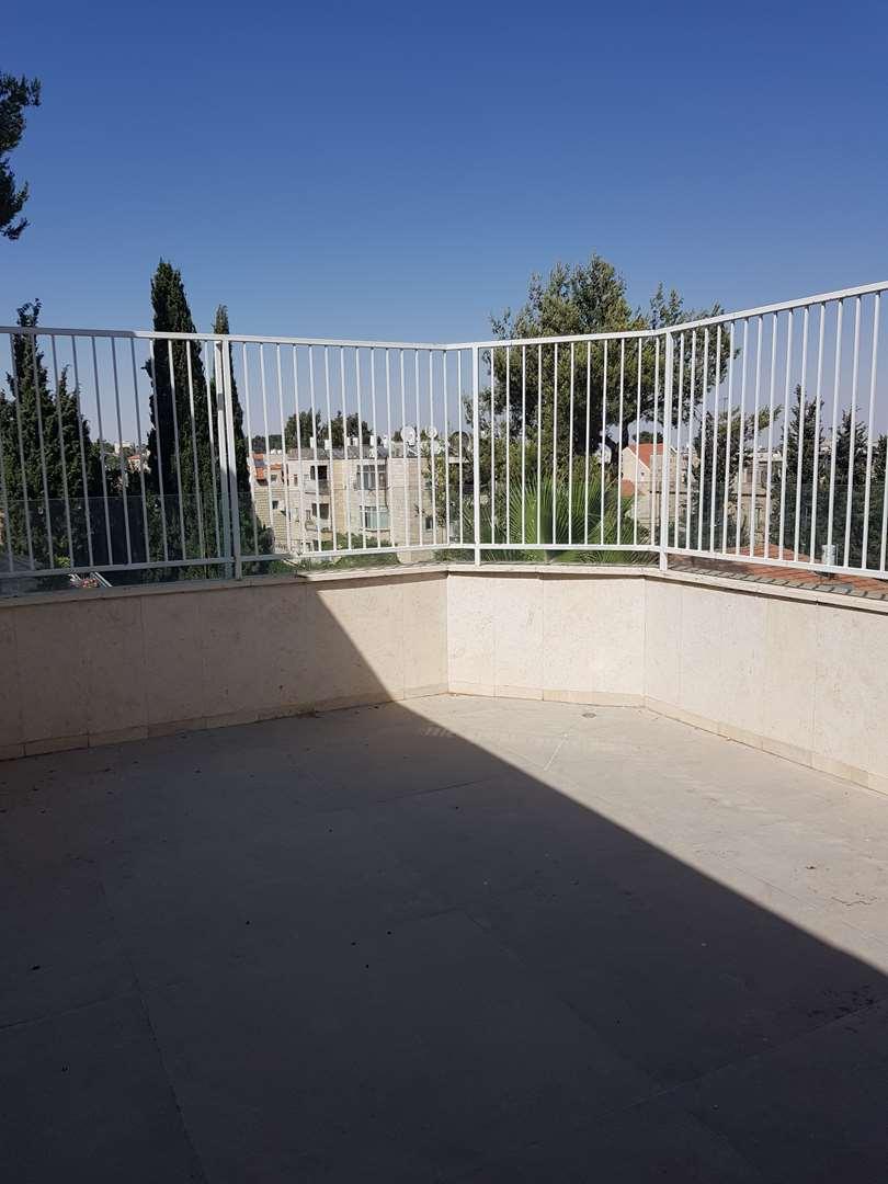 תמונה 2 ,פנטהאוז 4 חדרים המעפילים רסקו ירושלים