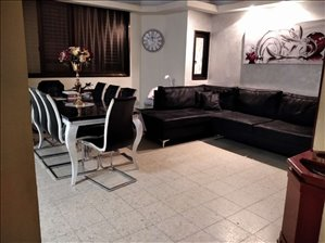 דירה להשכרה 4 חדרים בפתח תקווה התשעים ושלוש