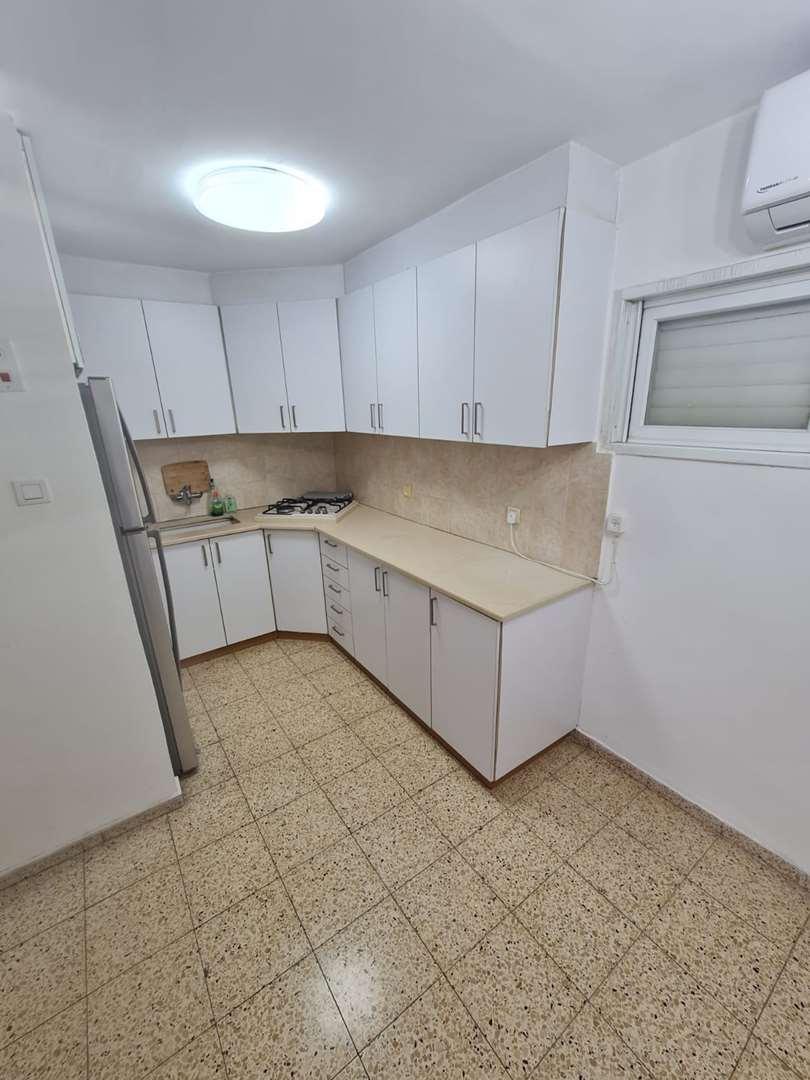 דירה להשכרה 2 חדרים בבת ים אילת 17