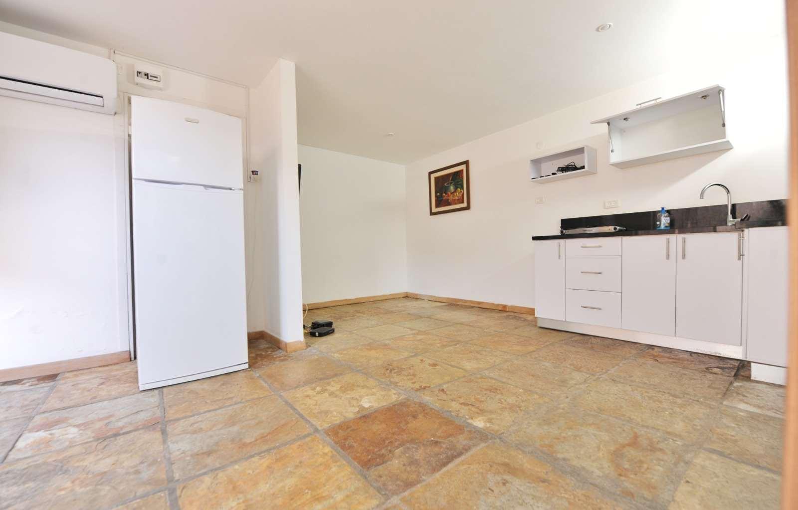 יחידת דיור להשכרה 2 חדרים ביהוד מונוסון