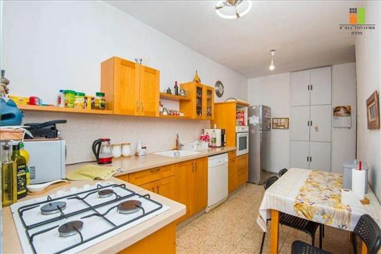 דירה להשכרה 4 חדרים בחדרה  מרכז העיר