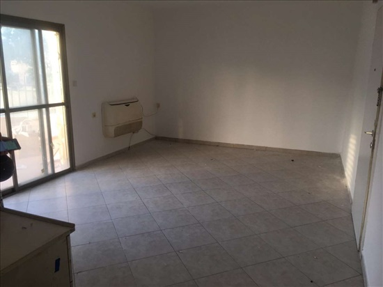 דירה להשכרה 3 חדרים בחולון יטבתה ג'סי כהן