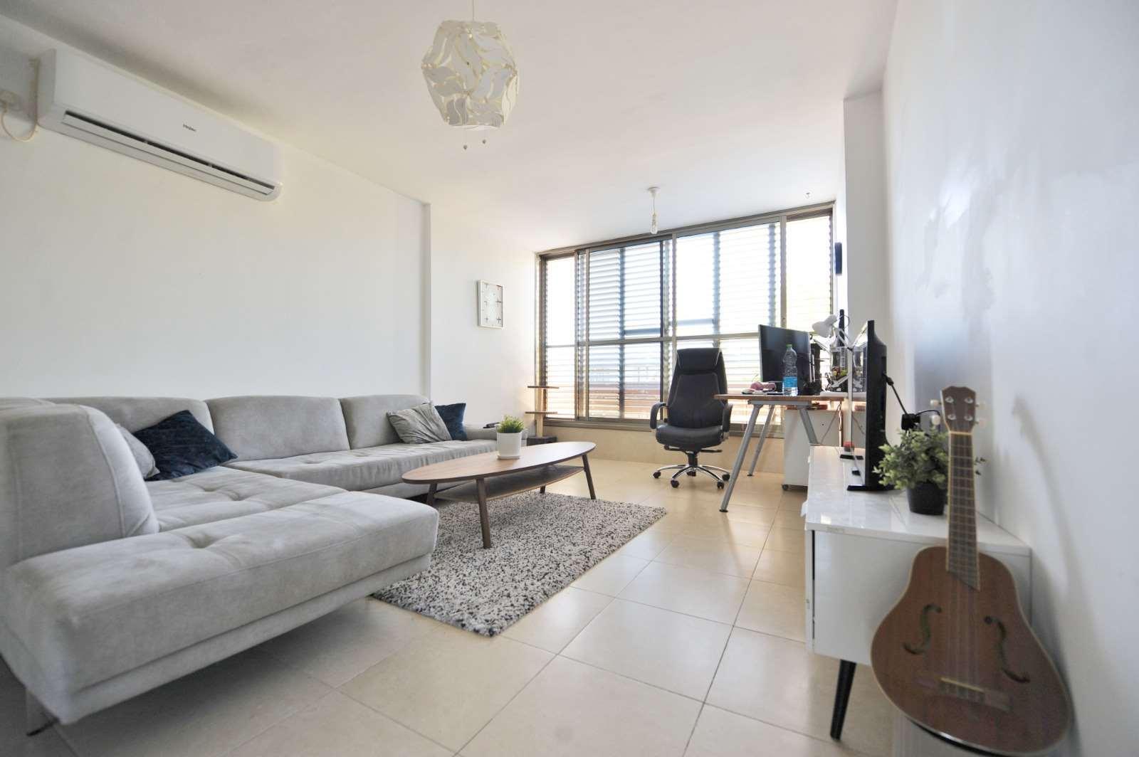 דירה להשכרה 3.5 חדרים בקרית אונו צהל קראון