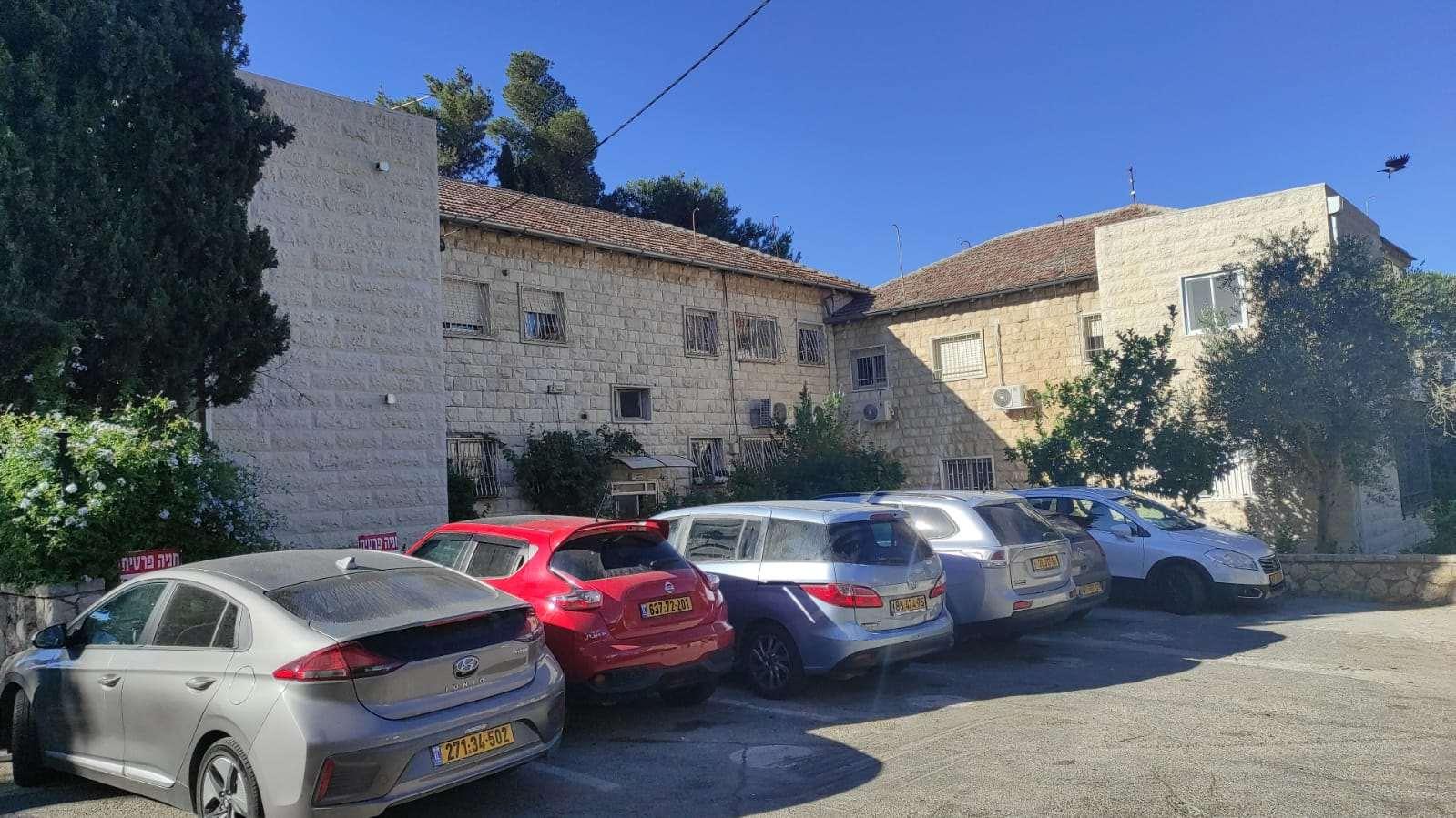 דירה, 5 חדרים, מעגל בית המדרש, ירושלים