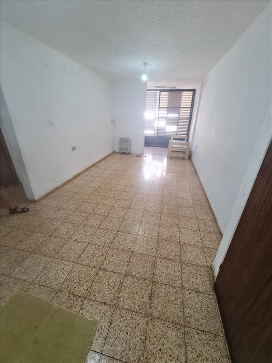 דירה להשכרה 3 חדרים בבת ים דולפין 00חוף הים