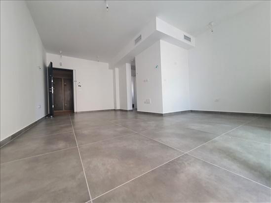 דירה להשכרה 3 חדרים ברמת גן תש''י הראשונים