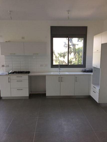 דירה להשכרה 4 חדרים בגבעתיים ישראל טייבר גבעת רמב``ם