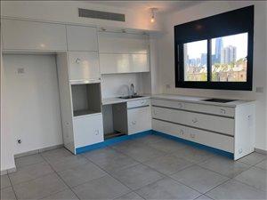 דירה, 4 חדרים, יציאה לרחוב לה גווארדיה, תל אביב יפ...