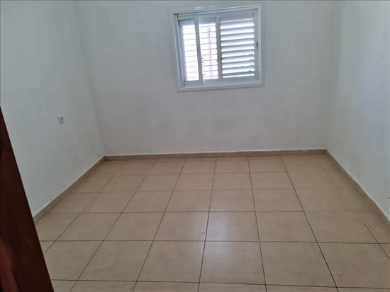 דירה להשכרה 3.5 חדרים בבת ים כצנלסון  ניצנה