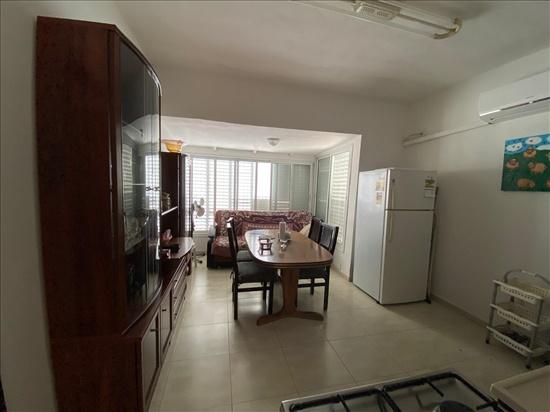 דירה להשכרה 4 חדרים בפתח תקווה אוסישקין מרכז