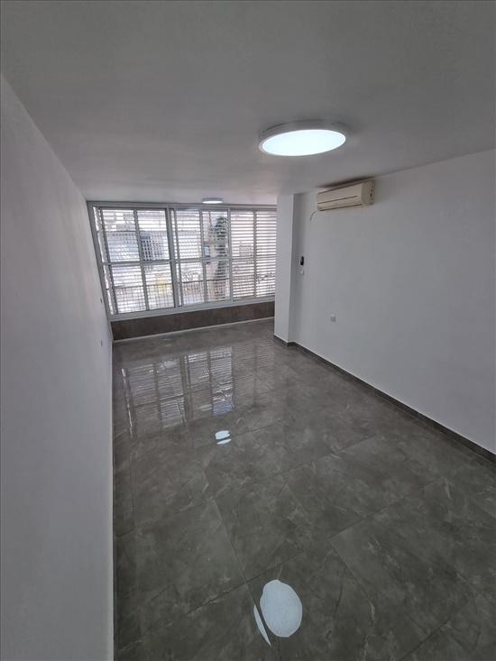 דירה להשכרה 2 חדרים בבת ים פנקס מרכז