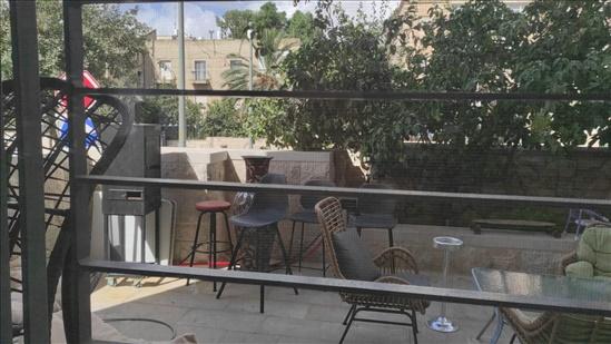 דירת גן להשכרה 4 חדרים בירושלים שדרות הרצל בית הכרם