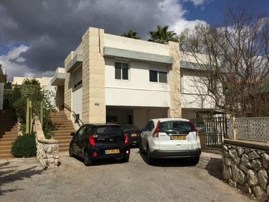 בית פרטי למכירה 6 חדרים בצפת הר אדיר נווה אורנים
