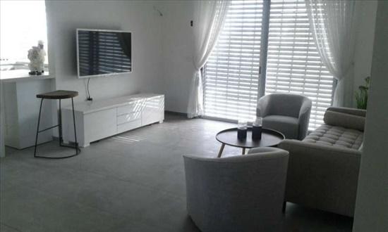 דירה למכירה 6 חדרים בחיפה פלמ''ח רוממה הישנה