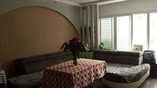 דירה למכירה 4 חדרים בנצרת עילית חרוד שכונה דרומית