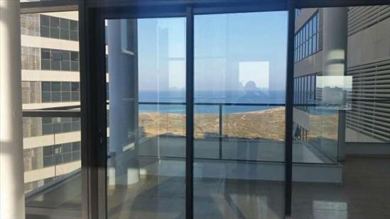 דירה למכירה 7 חדרים בנתניה עוזי חיטמן עיר ימים