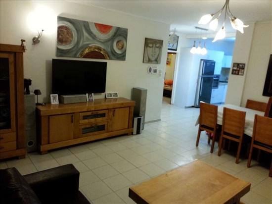 דירה למכירה 4 חדרים בחולון פייר קניג קרית העבודה
