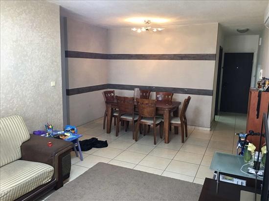 דירה למכירה 4 חדרים בחולון שדרות יוספטל