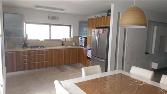 דירה למכירה 4 חדרים בתל אביב יפו אייזיק חריף
