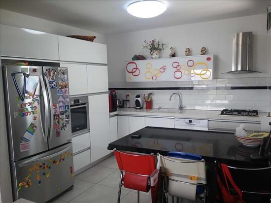 דירה למכירה 4 חדרים ברחובות ששת הימים רחובות הצעירה