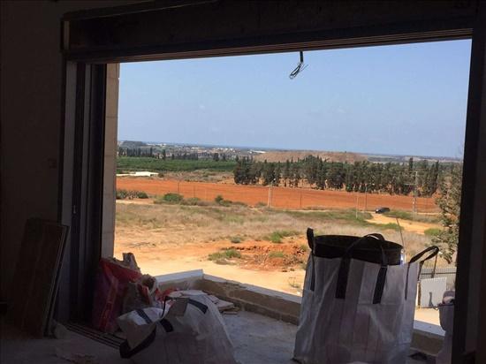 דירה למכירה 5 חדרים ברעננה יהודה עמיחי נווה זמר