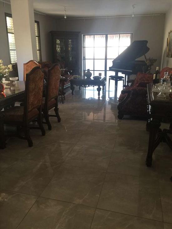 פנטהאוז למכירה 4.5 חדרים בנהריה הרצל 54