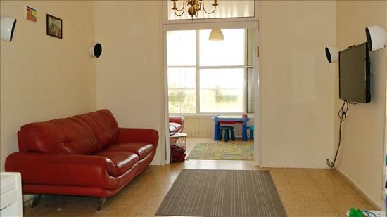דירה למכירה 3.5 חדרים ברחובות ברוך שפינוזה