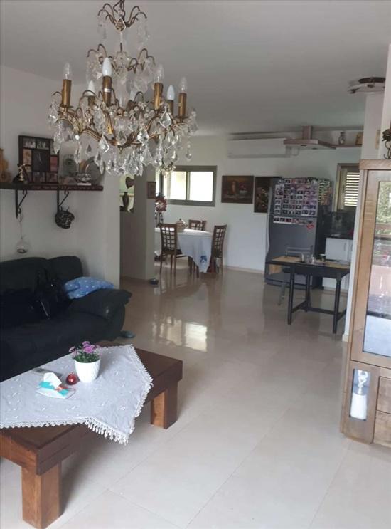 בית פרטי למכירה 6.5 חדרים בפרדסיה שלום שבזי