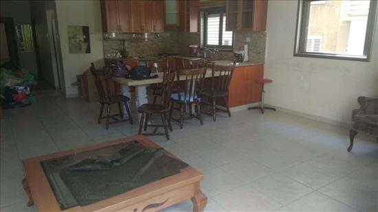 דירה למכירה 4.5 חדרים בפתח תקווה רוטשילד